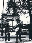 Photo noir & blanc de Jo FAIRBROTHER Paris love