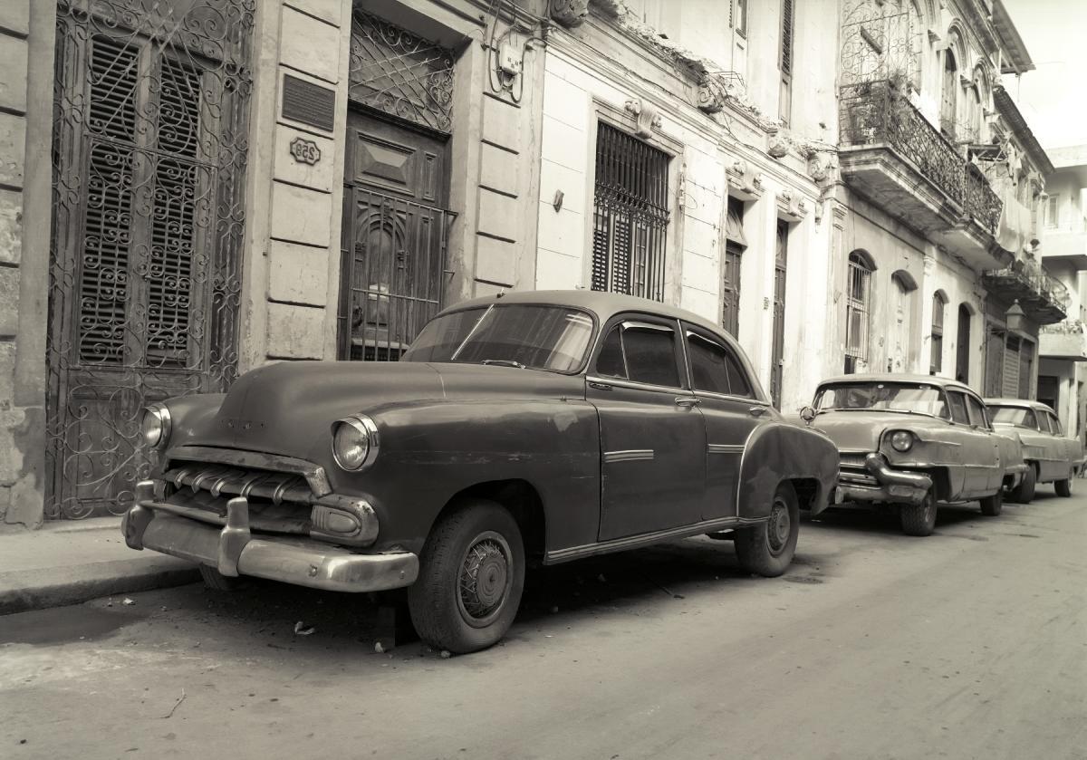 Photo Noir Et Blanc Voiture Ancienne Dans La Rue Acheter Photo