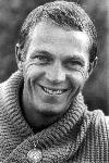 Portrait Steve Mcqueen sourire