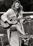 Affiche de la chanteuse Louane