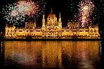 Photo feu d'artifice parlement de Budapest en Hongrie