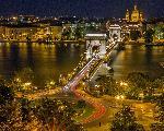 Photo du pont de Budapest de nuit en Hongrie