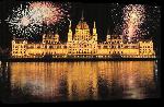Toiles imprimées Photo feu d'artifice parlement de Budapest en Hongrie