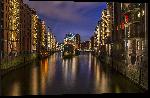 Impression sur aluminium Photo de nuit de la ville de Hambourg en Allemagne
