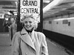 Photo noir et blanc de Ed Feingersh Marilyn Monroe Grand Central Station