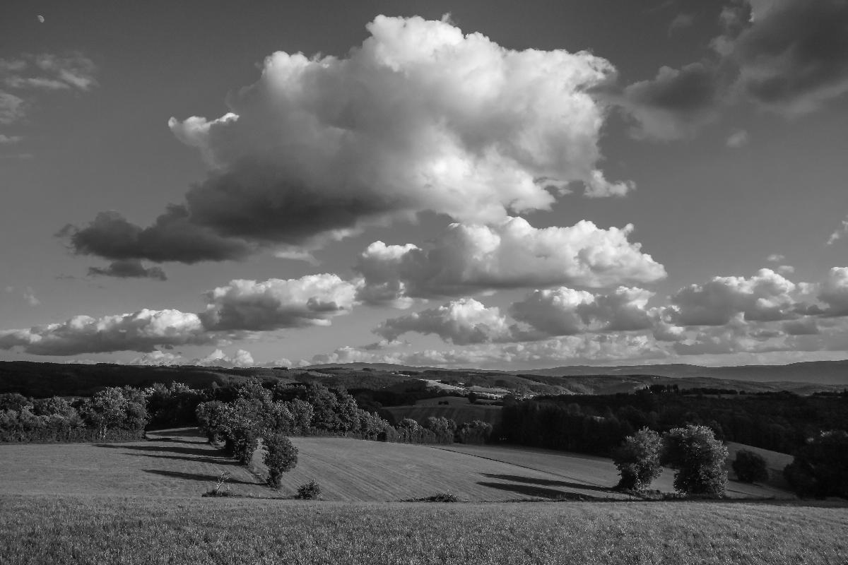 photo noir et blanc nuage d u0026 39  u00e9t u00e9 sur la montagne