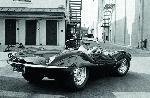 Photo noir et blanc Steve Mcqueen à bord de sa voiture