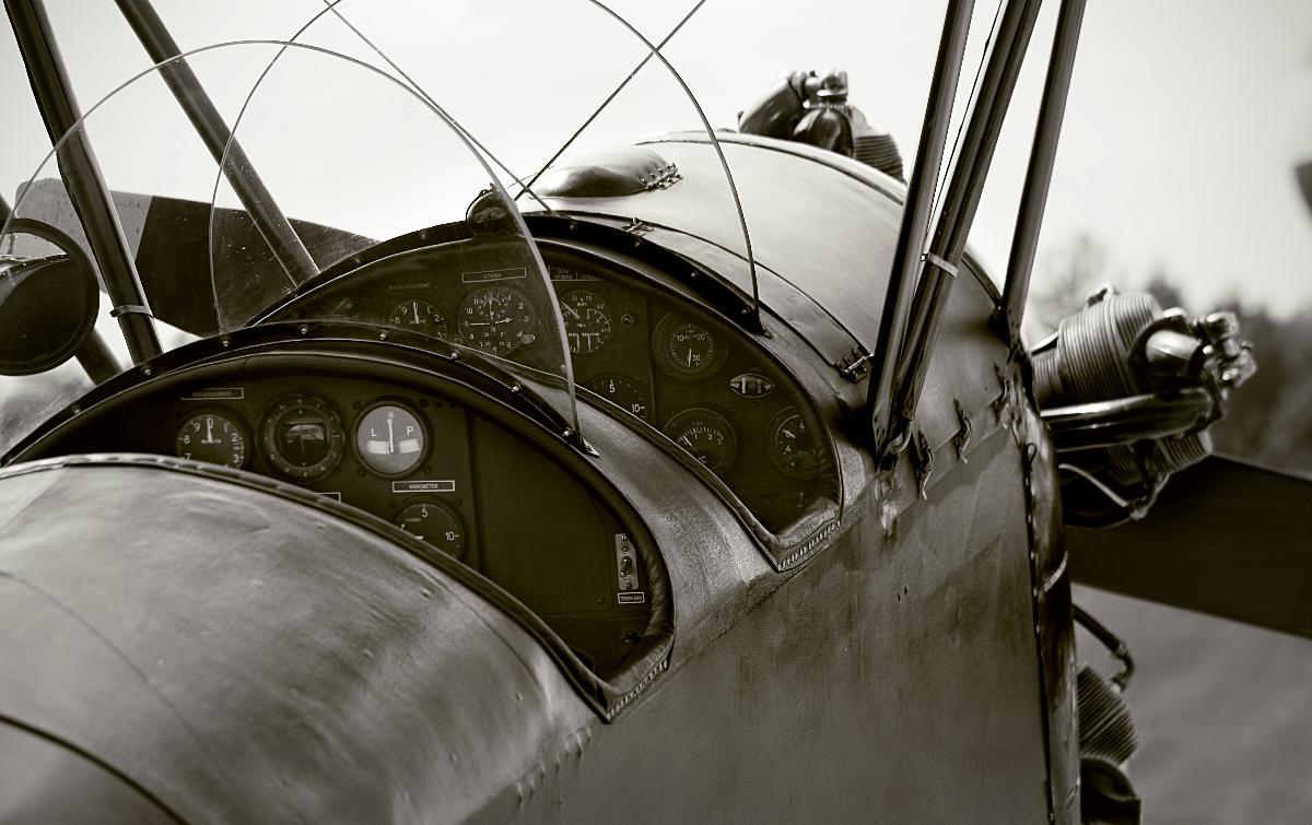 photo noir et blanc vieil avion acheter photo noir et blanc vieil avion 47896 affiches et. Black Bedroom Furniture Sets. Home Design Ideas