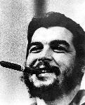 Photo portrait noir et blanc de Ernesto Che Guevara cigare