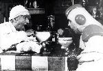 Photo noir et blanc Louis de Funès et Villeret dans la soupe aux choux