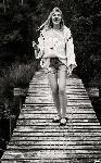 Poster de la chanteuse Louane